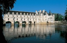 Private Tour of the Loire Valley Castles with Pickup (1-4pax)