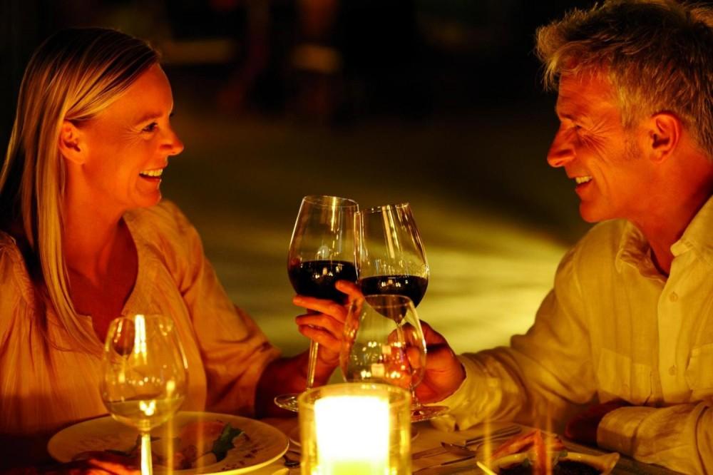 Romantic & Gastronomic Dinner Cruise with Champagne - La Marina