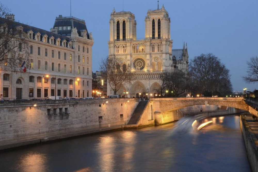 Paris by Night City Tour + Moulin Rouge Cabaret Show