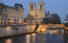 Private Illuminations of Paris Night Tour (5-8pax)