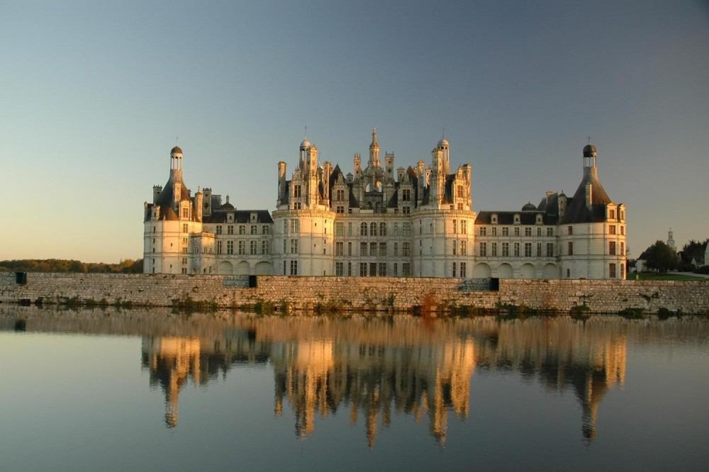 4 Day Normandy + St Malo + Mt Saint Michel + Chateaux + transfers