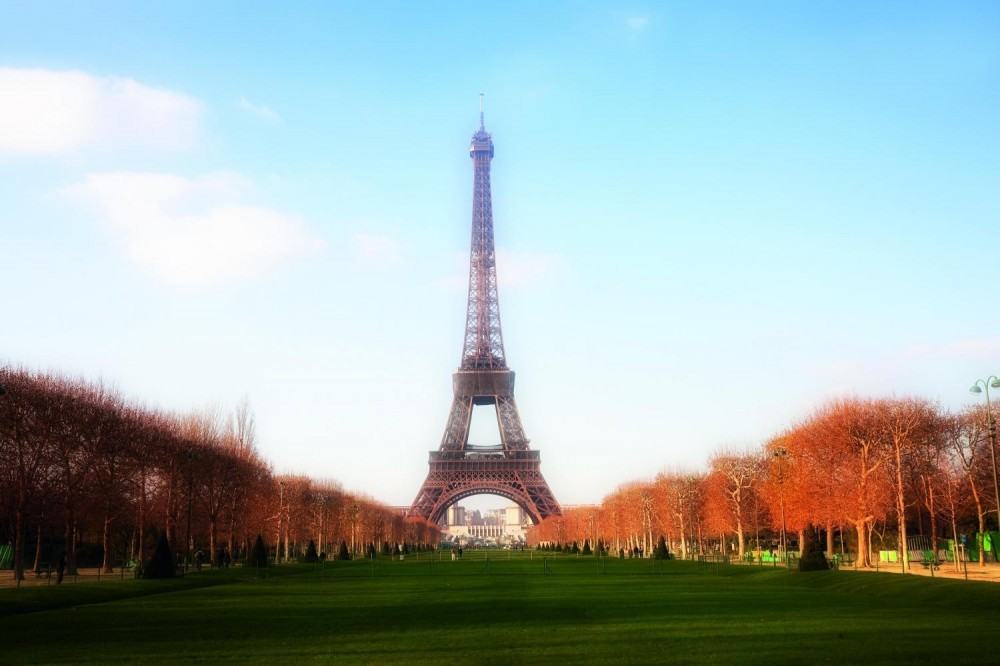 Private Guided Paris Tour + Lunch at Eiffel Tower (5-8pax)