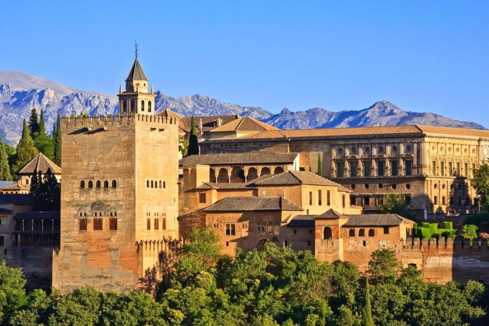 Alhambra Surroundings Walking Tour