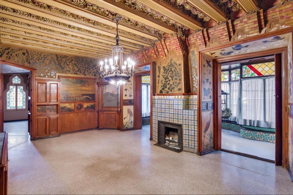 Exclusive Casa Vicens Guided Tour + Park Güell