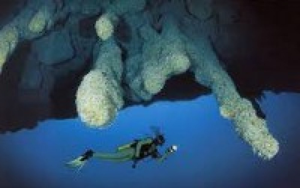 Scuba Diving: Blue Hole 3 Tanks
