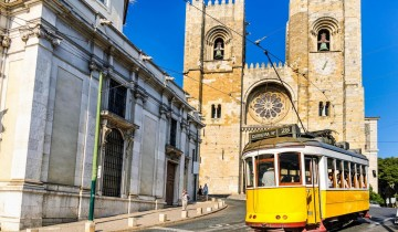 A picture of 6 Day Lisbon + Porto with Fatima from Madrid