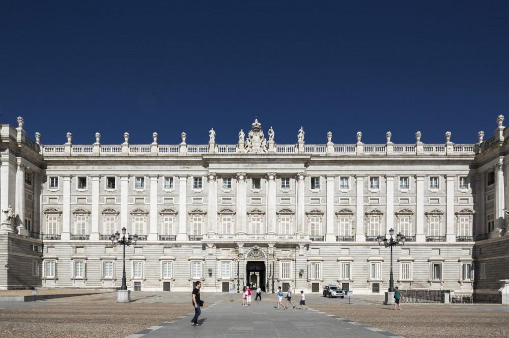 Madrid Highlights and Skip the Line Royal Palace Guided Tour