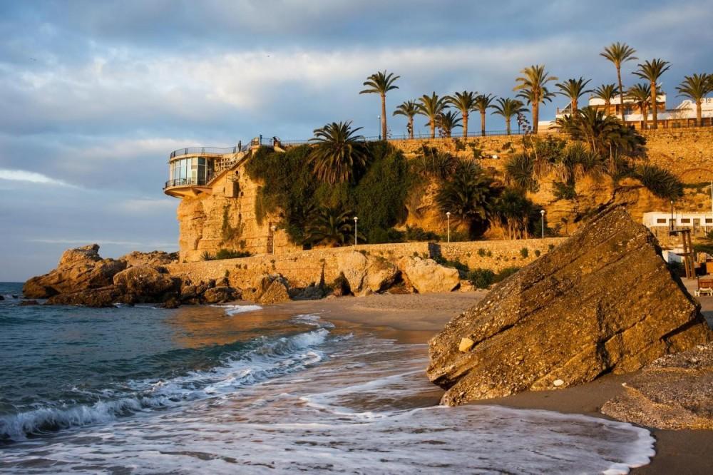 Nerja + Frigiliana Half Day Tour from Costa Del Sol