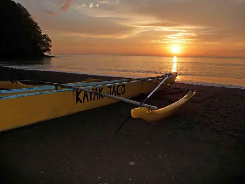 Sunset Night Tour in Outrigger Canoe (Seasonal)