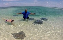 Stingray Feeding Tour @ Sandy Cay