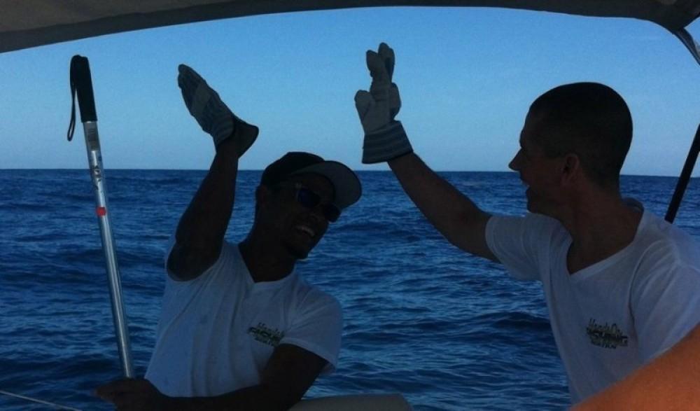 Hands on Fishing Roatan