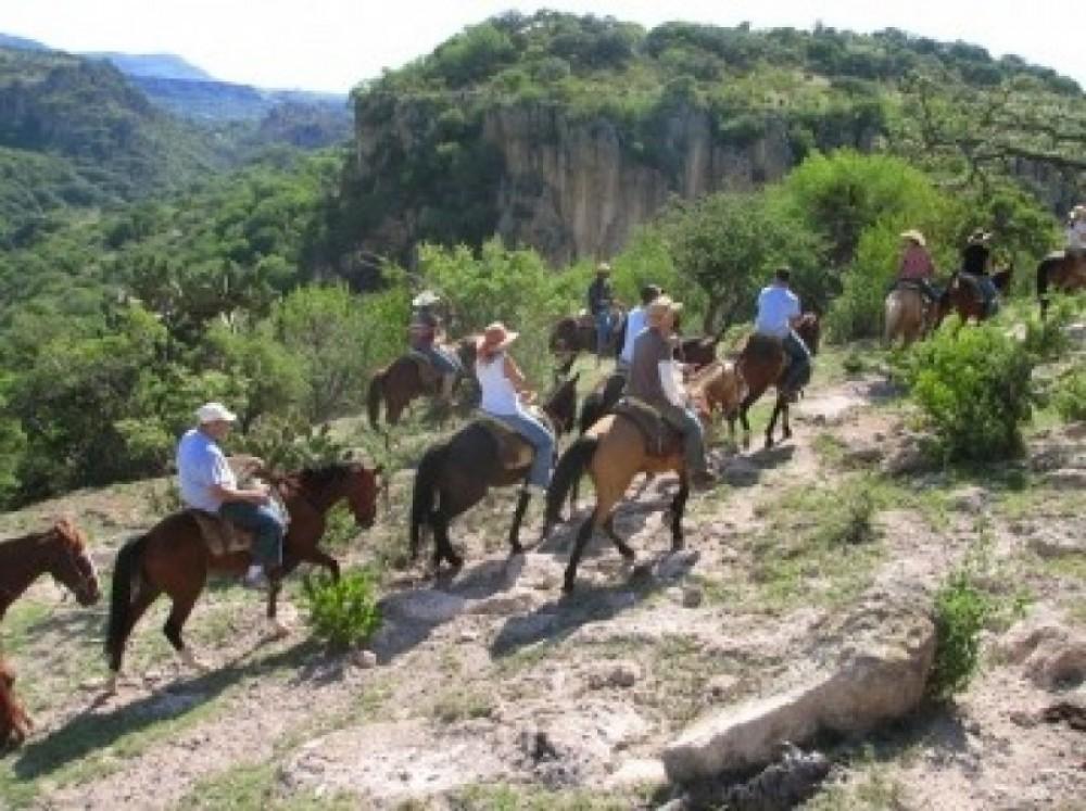 Pyramid Tour + Half-Day Horseback Riding Excursion