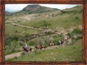A picture of Weeklong Horseback Riding Excursion