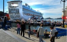 Tour Valparaiso cruises for wine lovers