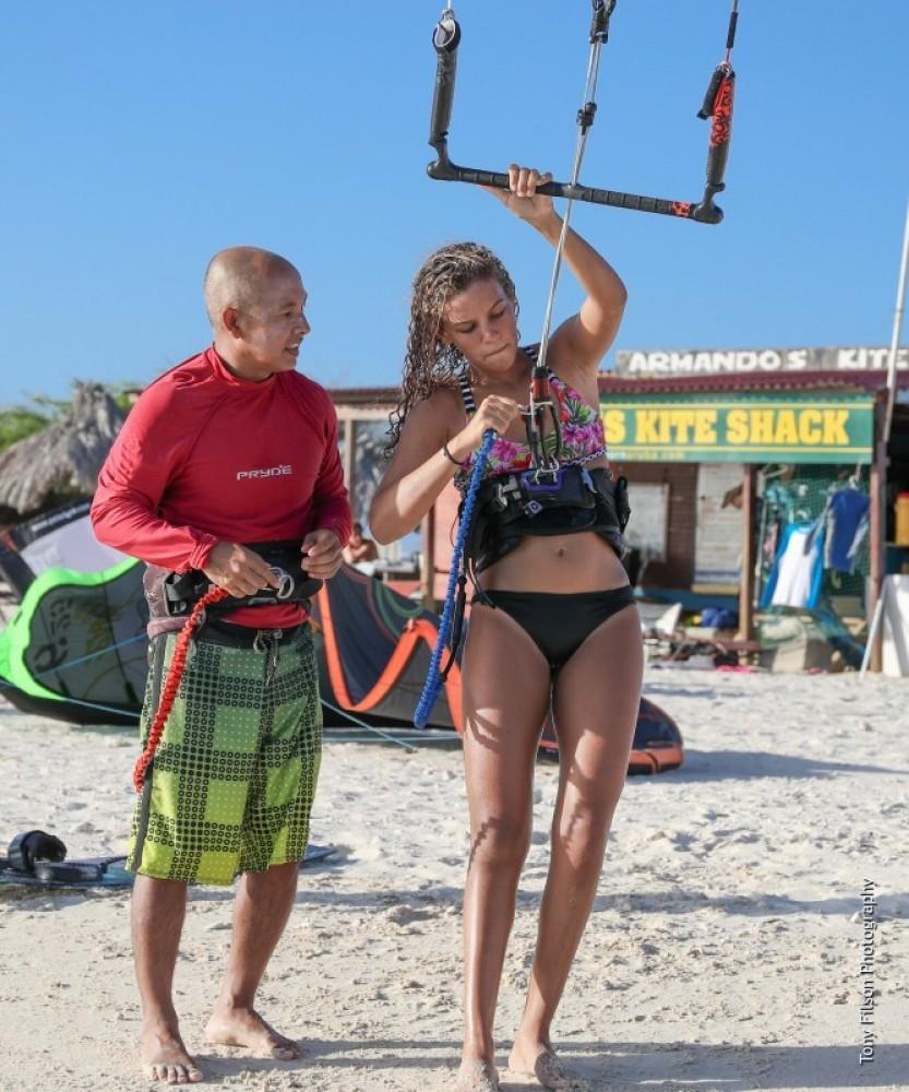 3 Kitesurfing lessons