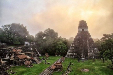 A picture of Tikal and Yaxhá 2 days- night