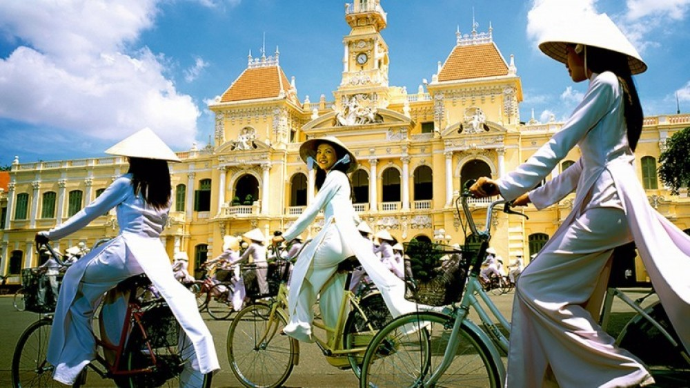 Private Ho Chi Minh City Tour & Cu Chi Tunnels Full Day Tour