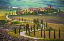 Montalcino, Pienza & Montepulciano Enogastronomic Tour from Lucca