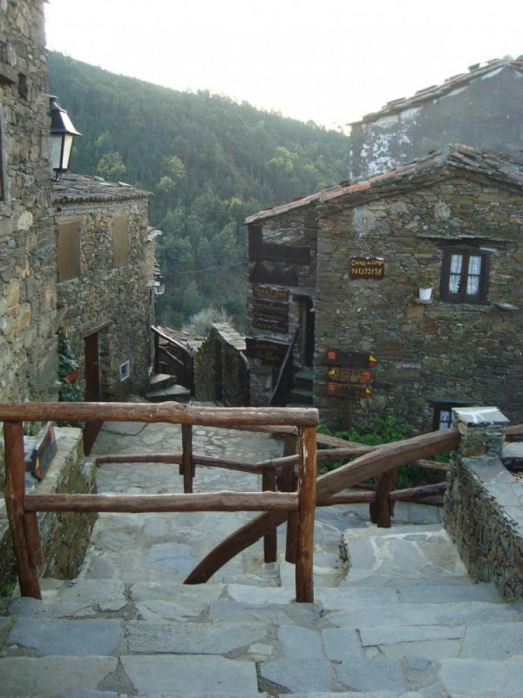 Lousa Charming Schist Villages Tour