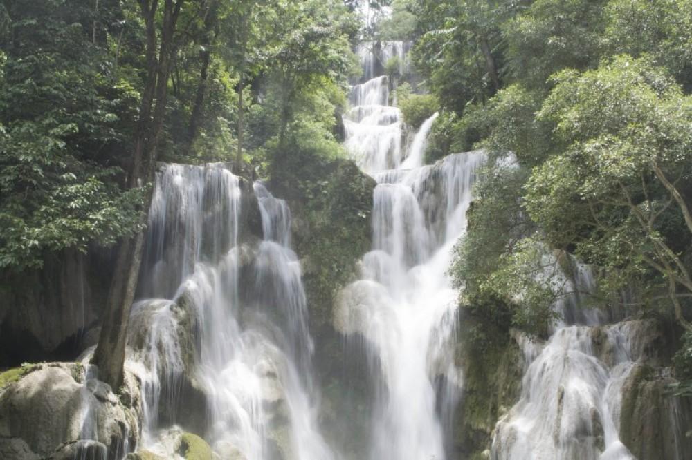 1 Day Trek Kuang-Si Waterfall