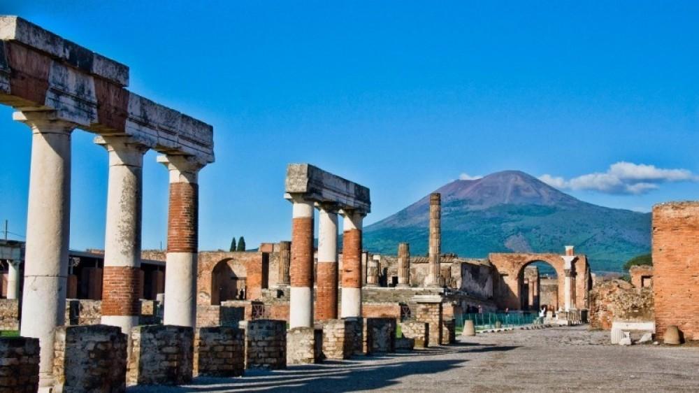 Pompeii, Herculaneum, Oplontis Tour