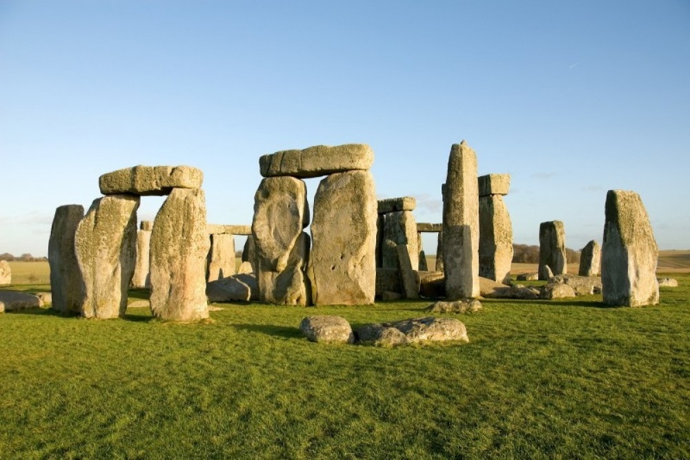 Stonehenge Direct Morning Tour (Summer Only)