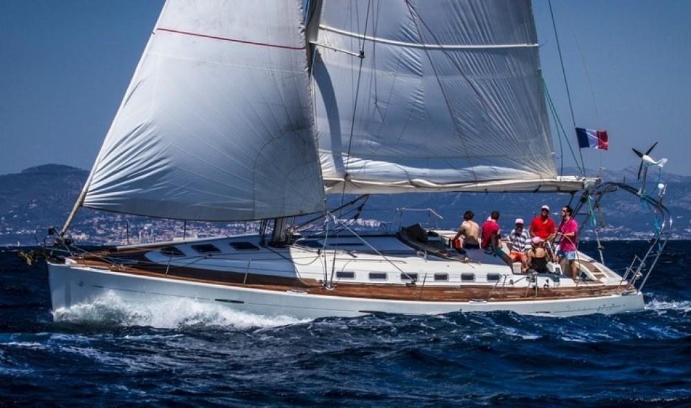 Monohull Sailing Charter