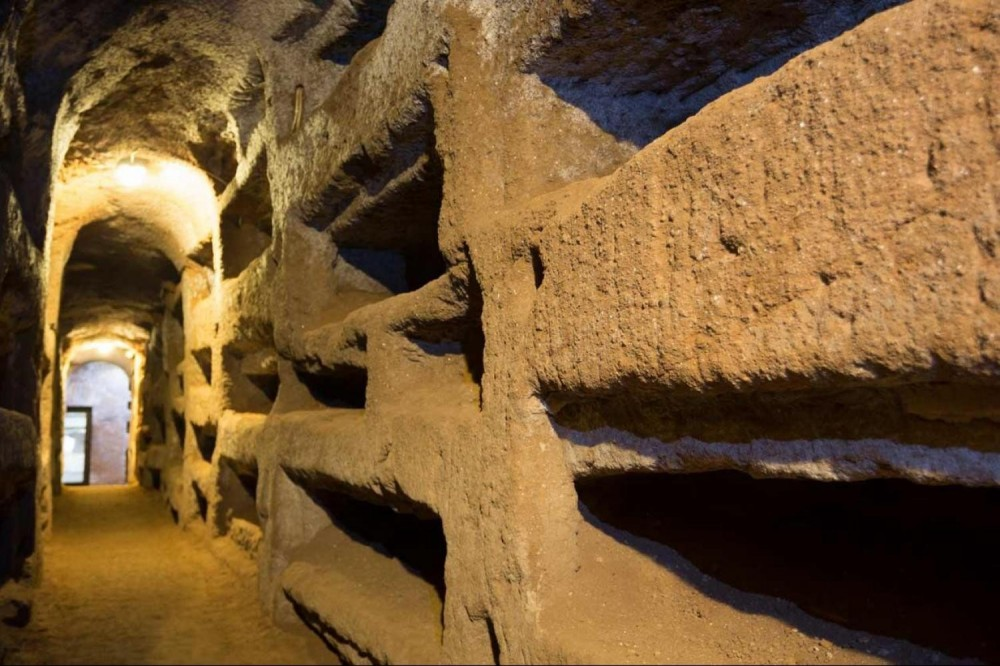 Small group catacombs and underground Rome tour