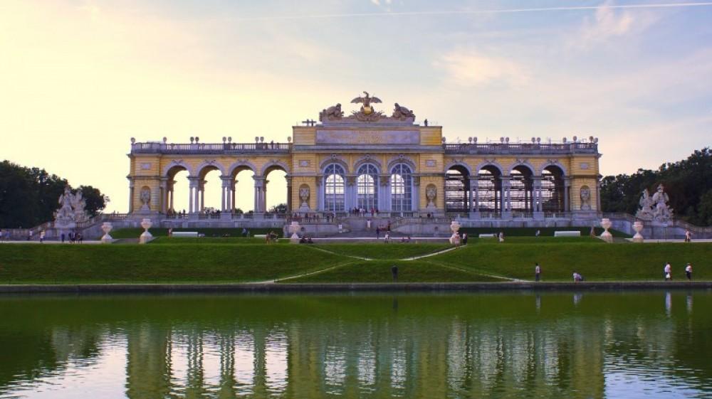 Schonbrunn Inside Guide Tour + Skip The Line