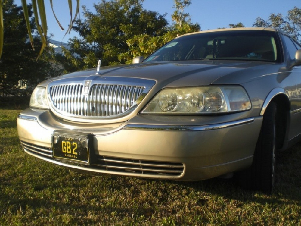 Grand Bahama Island Limousine & Chauffeur Service