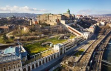 Kids Conquer The Buda Castle! Fun City Discovery