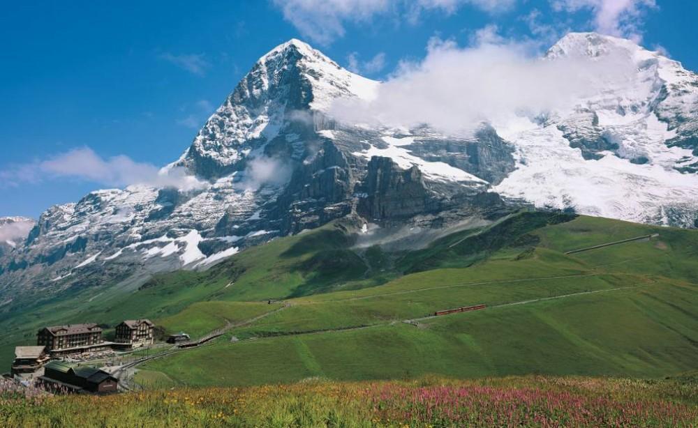 Kleine Scheidegg - Center of the Alps from Zurich