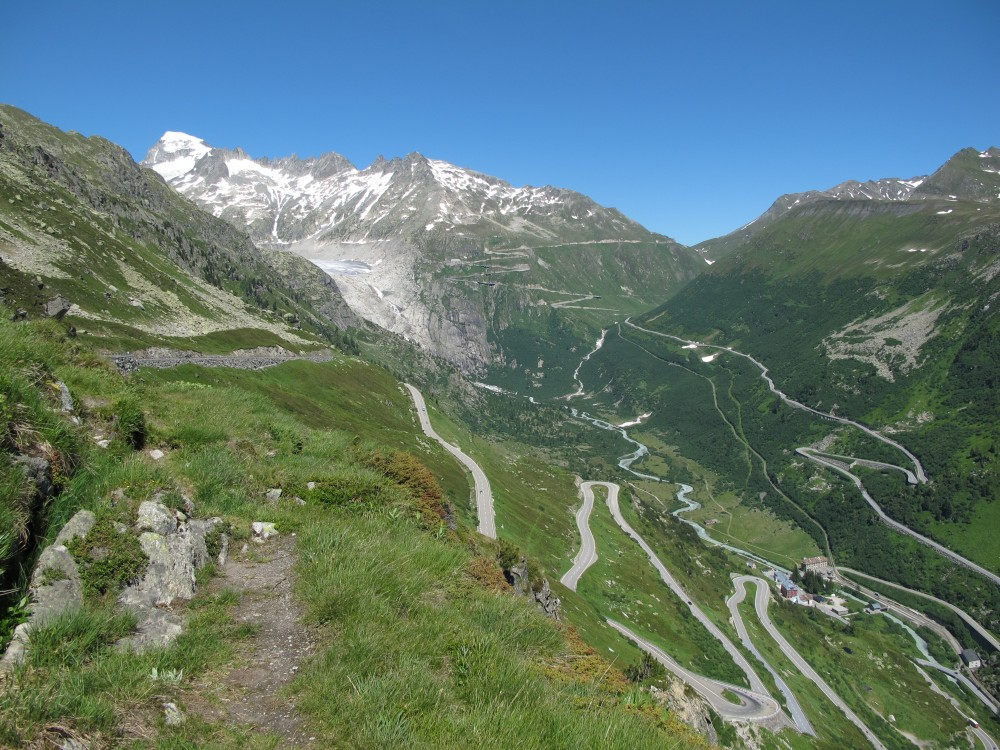 Into The Alps – Swiss Mountain Passes From Zurich