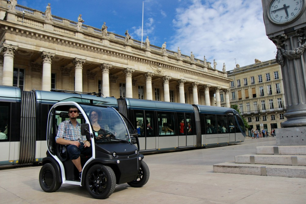 Self-Guided Tour of UNESCO-listed Bordeaux in an Electric Vehicle