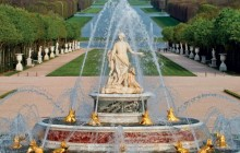 Versailles Palace & Musical Fountains Tour with Skip The Line