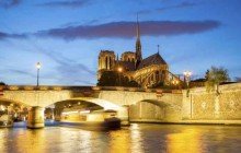 Seine River Cruise & Moulin Rouge with Glass Of Champagne