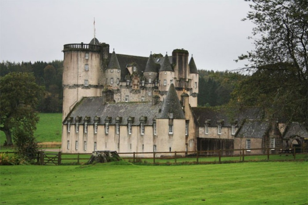 Scottish Castle Experience - 4 Day Small Group Tour