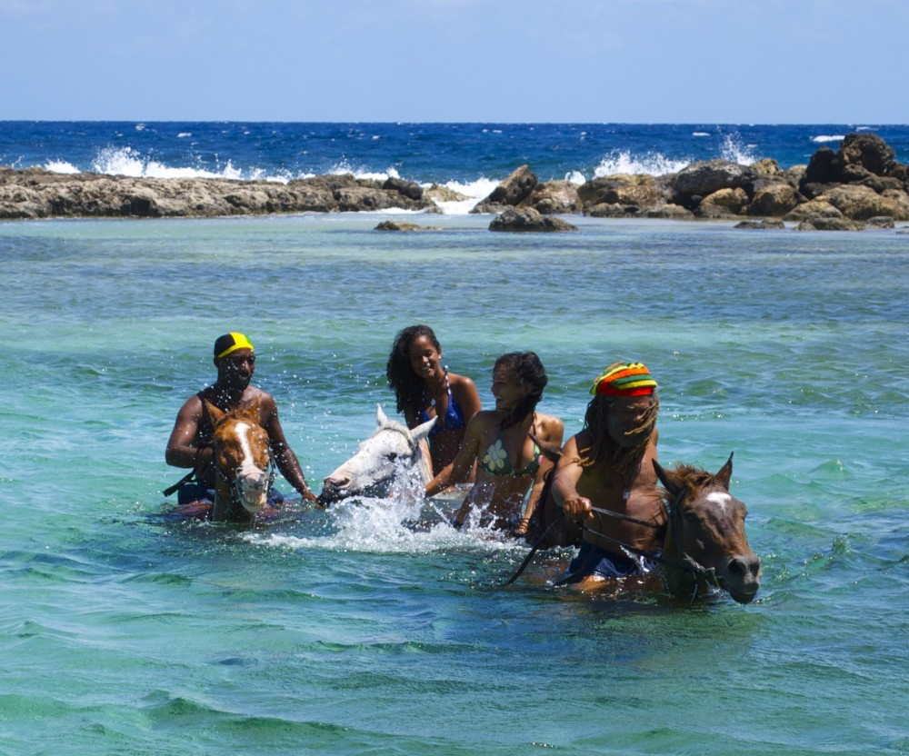 Braco Horseback Ride n Swim Tour from Montego Bay