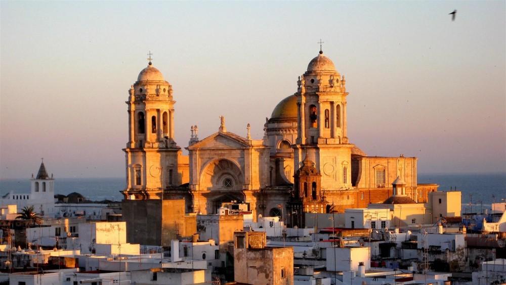 The Bay of Cadiz Tour from Seville