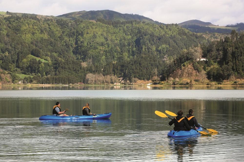 Canoeing Sete Cidades