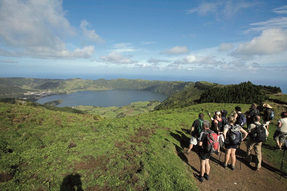 Lagoa do Fogo Half Day Jeep Tour