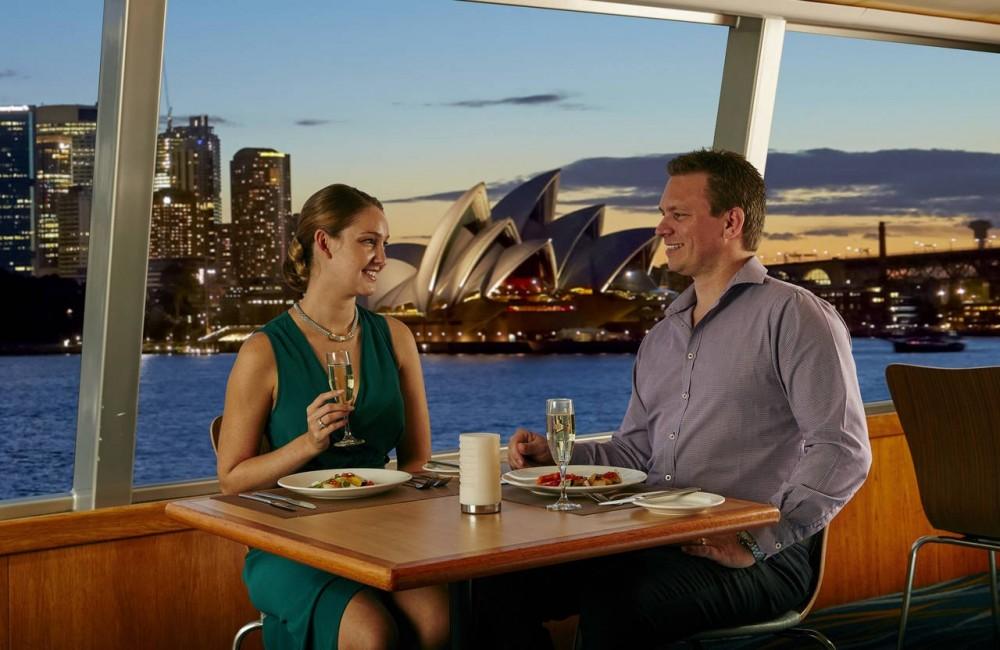 3 Course Captains Dinner Cruise on Sydney Harbor