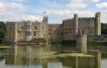 Small Group Canterbury, Leeds Castle & White Cliffs of Dover
