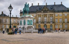 Copenhagen Highlights & Christiansborg Palace Shore Excursion