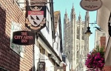 Canterbury + Leeds Castle to Heathrow & London from Dover