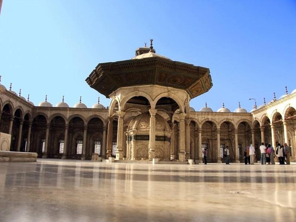 Private Hassan, Ibn Tulun, Al-Azhar & Khalili Bazaar Day Tour