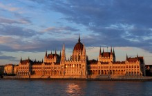 Private Tour of Budapest with Transfer and Guide from Vienna