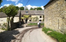 Hidden Cotswolds: Immersive, Small, Cultural Tour from Bath