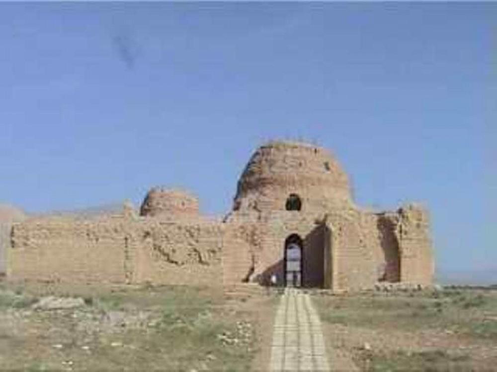 Sarvestan Palace