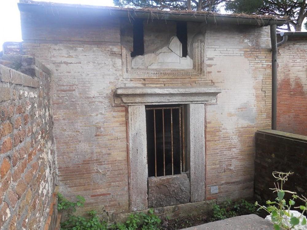 Isola Sacra Necropolis